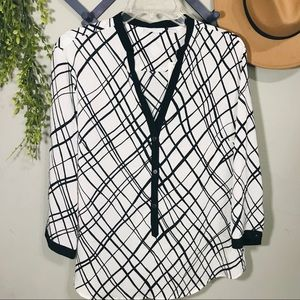 New York & Company white/black blouse